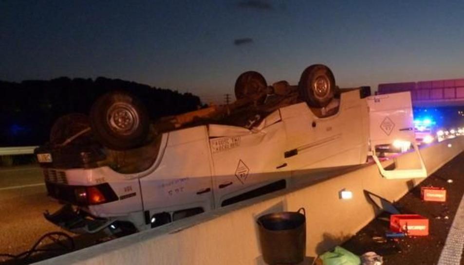 Detingut un conductor que va fugir després de provocar un accident a l'AP-7 a Altafulla