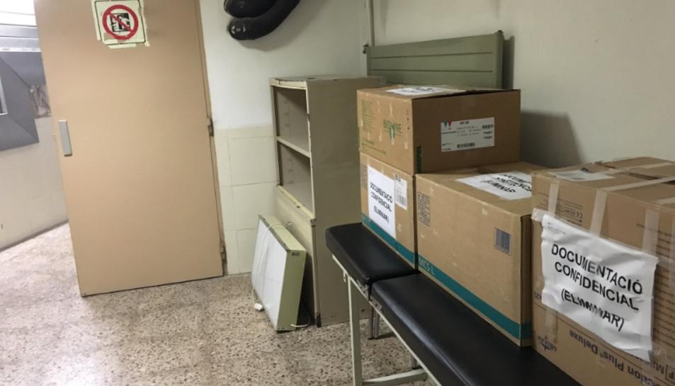 Les caixes estaven en un passadís sense cap tipus de privacitat ni protecció.
