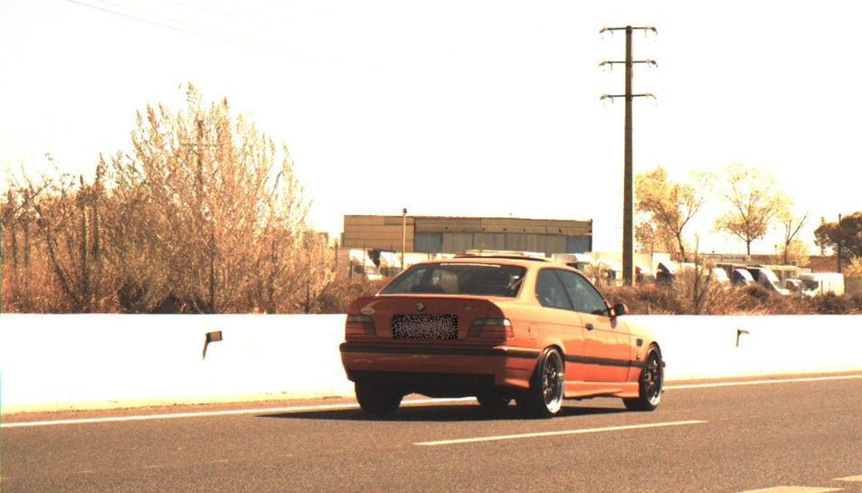 imatge del cotxe que circulava a una velocitat excessiva a la T-11.