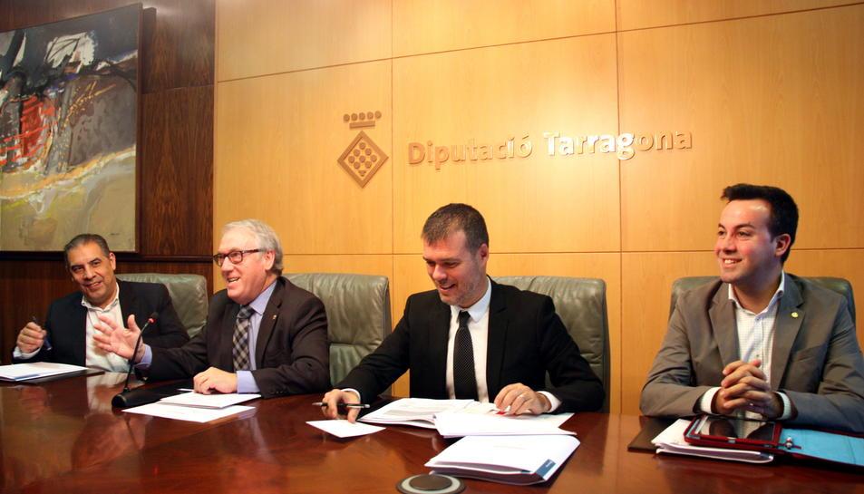 Imatge d'arxiu a la Diputació de Tarragona, amb Josep Maria Cruset segon començant per la dreta.