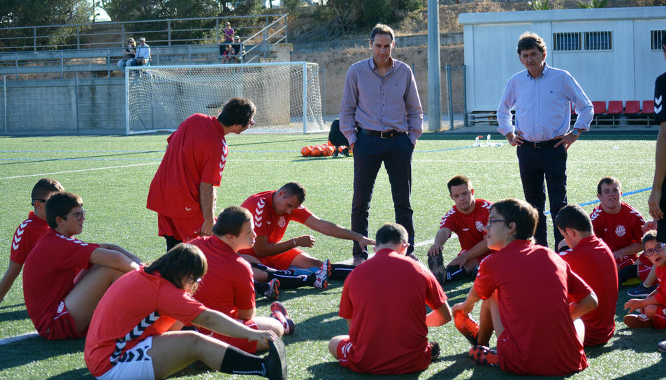 L'entrenador del primer eequip i el president van assistir a l'entrenament.