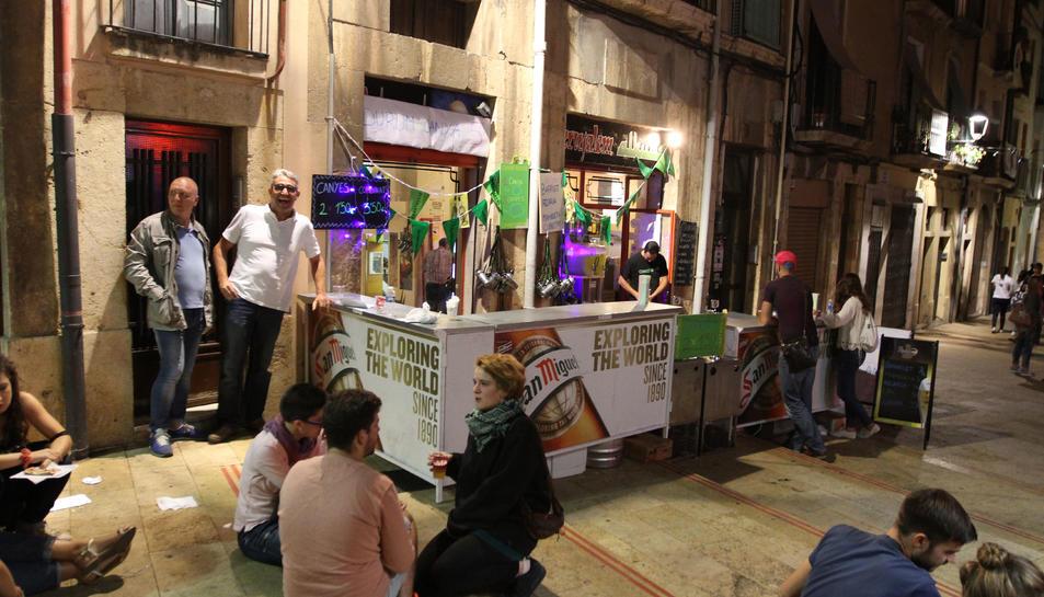 Els bars de la plaça dels Sedassos poden posar barres durant les festes