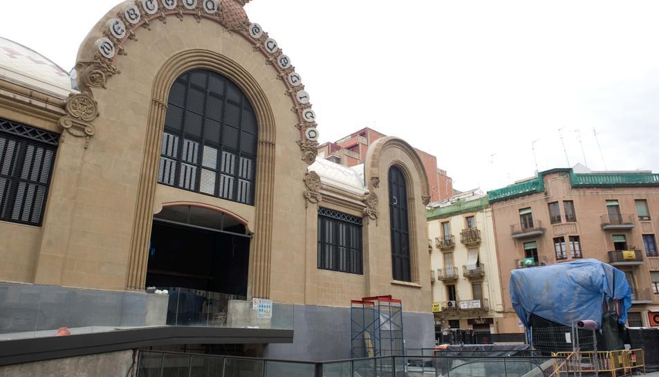Imatge actual de l'estat de la façana del Mercat.