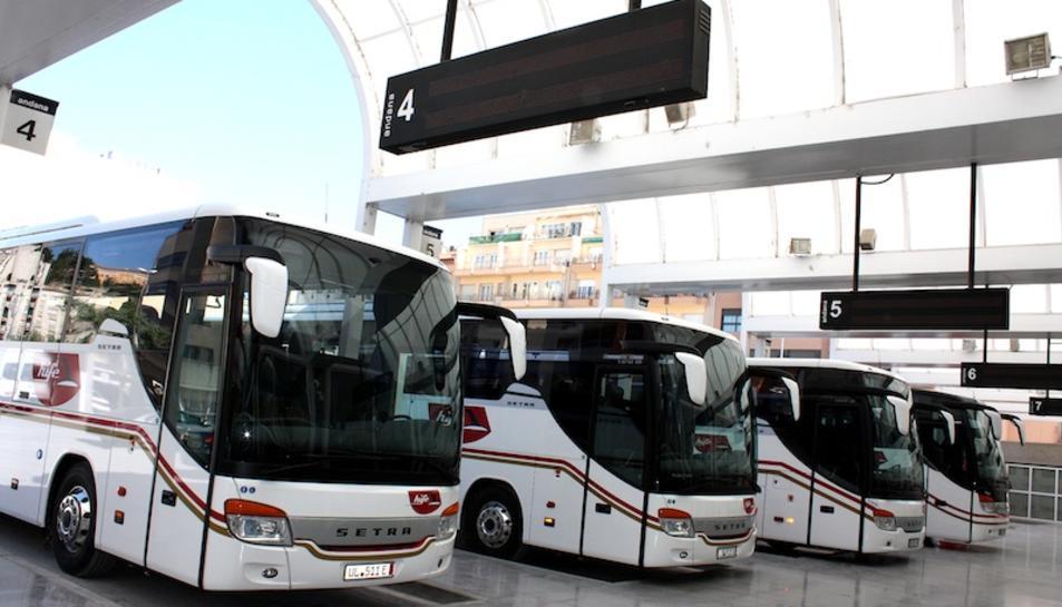 Imatge d'arxiu de diversos autobusos de la companyia Hife.