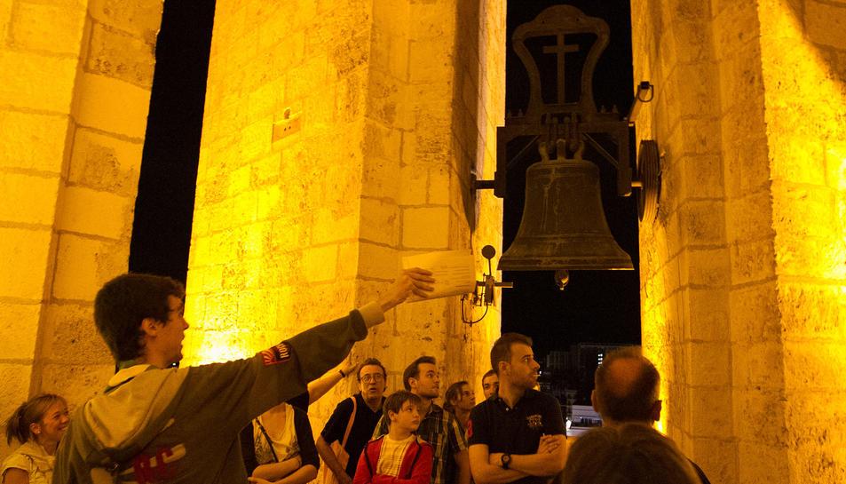 La visita nocturna al Campanar.