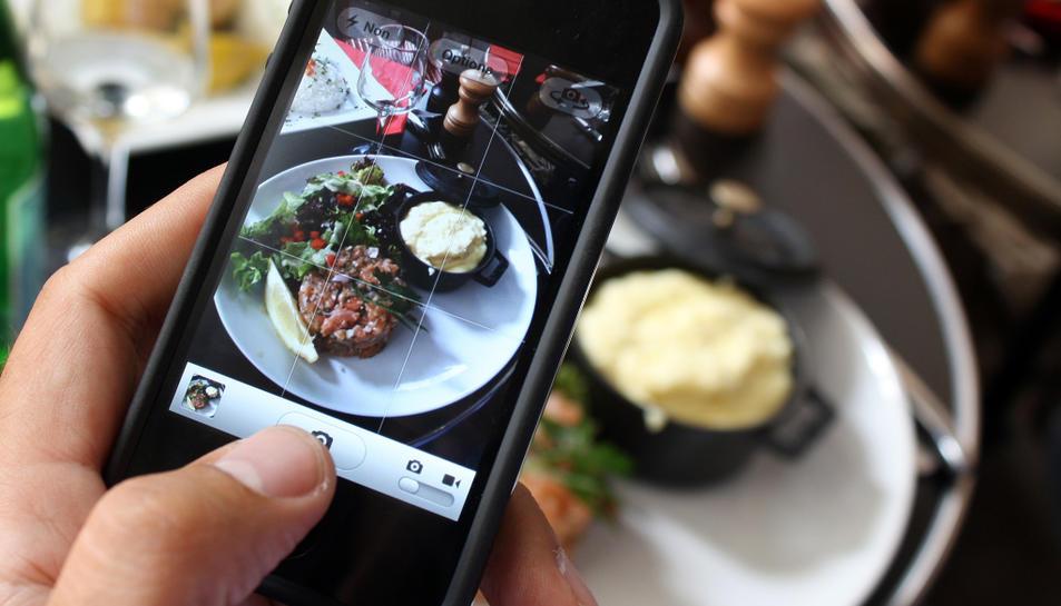L'aplicació permet recomanar restaurants i fer una llista de desitjos.
