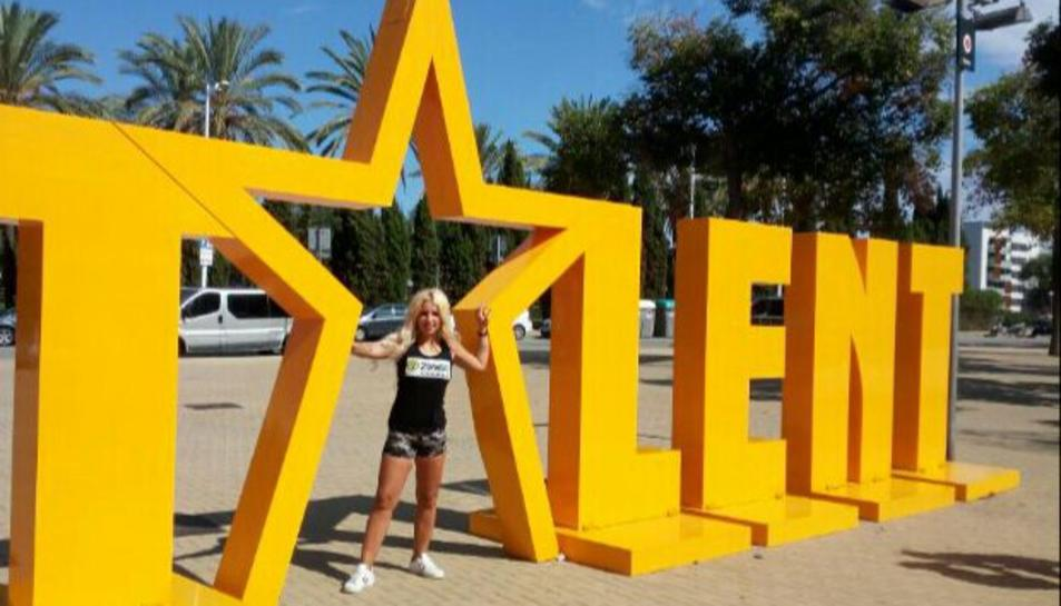 La jove, amb les lletres de 'Got Talent España'.