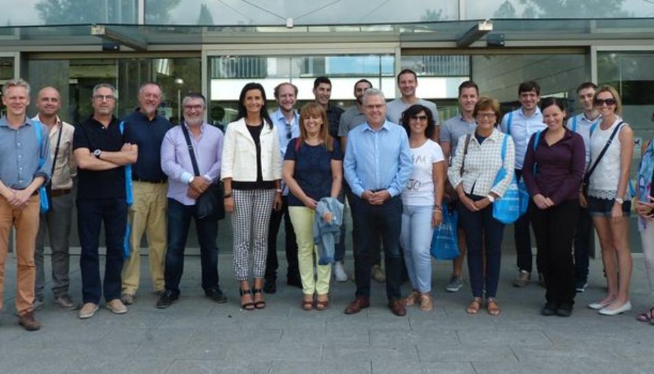 Foto de grup dels professors que han visitat l'institut Jaume I de Salou.