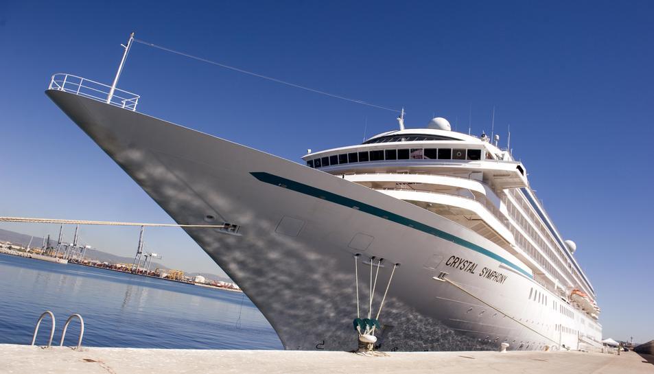 El Cristal Simphony va atracar per primer cop al Port de Tarragona el passat 25 d'agost.