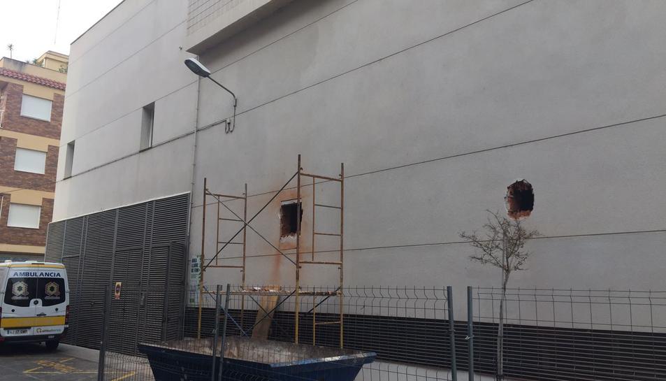 Imatge de les obres de la nova farmàcia de l'Hospital Comarcal d'Amposta.