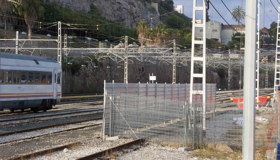Imatge de l'estat actual de les obres de millora de l'estació de trens de Tarragona.