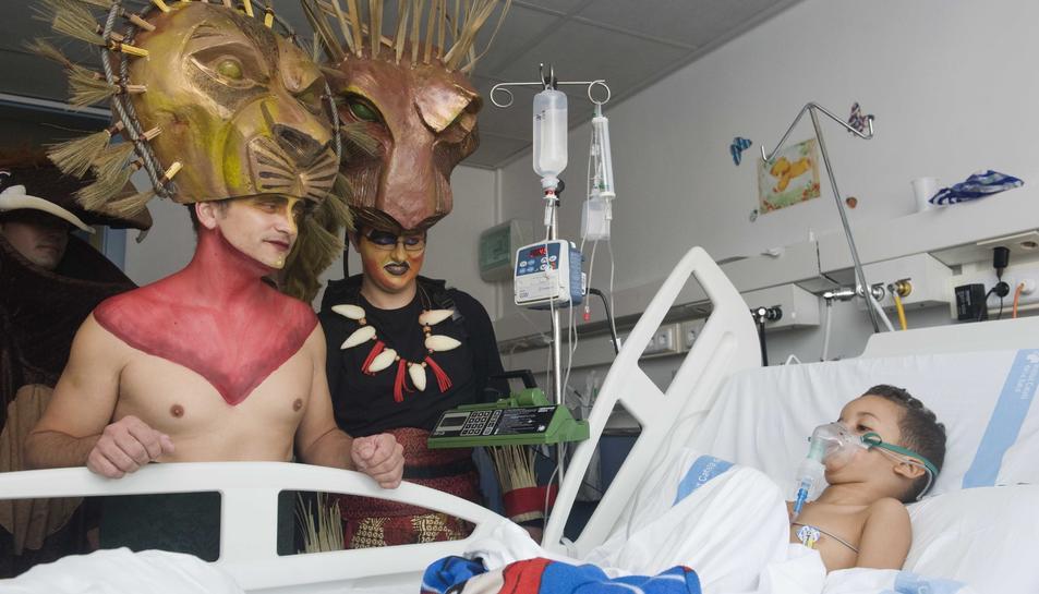 El musical del Rey León visita el hospital Joan XXIII
