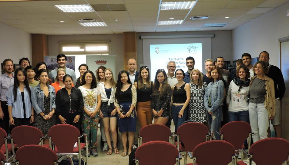 Imatge dels alumnes que han visitat lacomarca ebrenca.