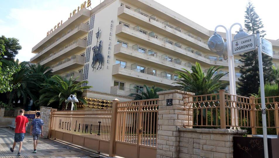 Pla obert de l'hotel Jaume I de Salou on hi ha hagut un brot de legionel·losi. Imatge del 6 d'octubre de 2016