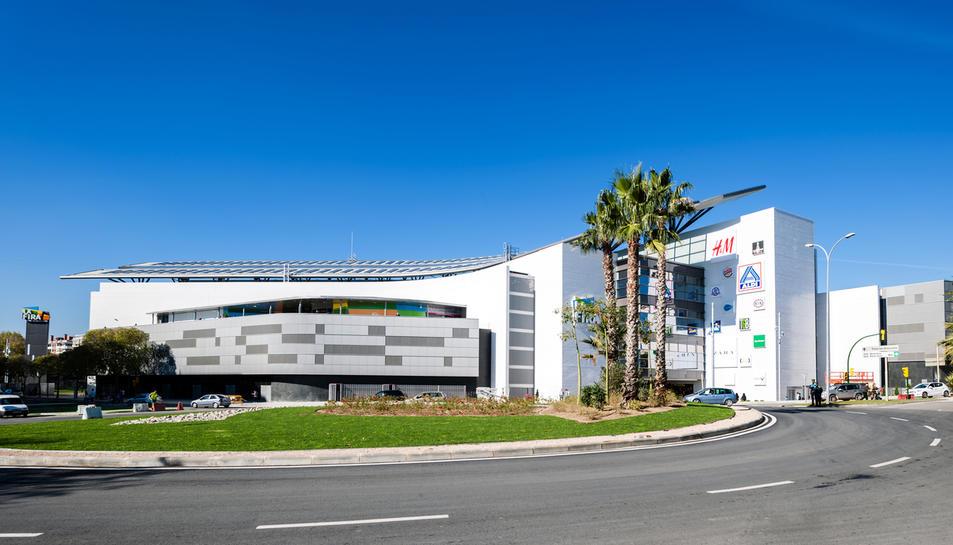 Imatge de l'exterior de l'edifici.