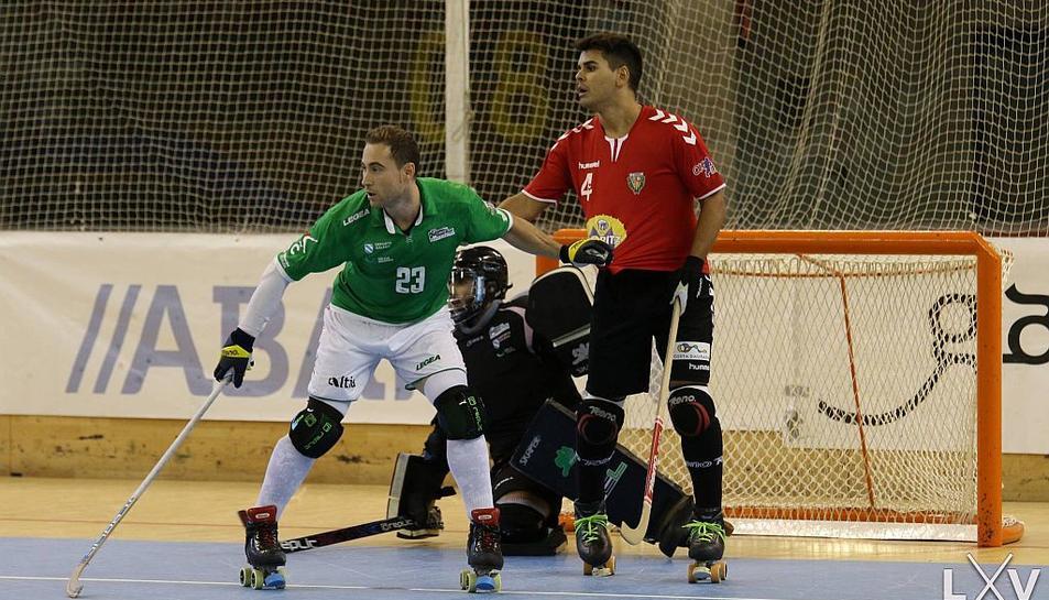 El Vendrell, en un moment del partit contra el Liceo.
