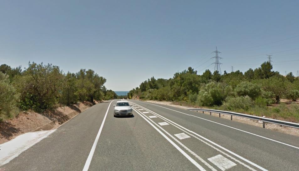 La sortida de via s'ha produït a la N-340, a l'alçada de Vandellòs i l'Hospitalet de l'Infant.