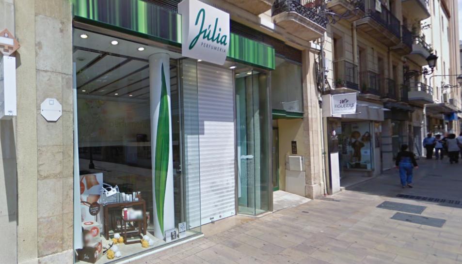 La botiga es troba al carrer Sant Agustí.