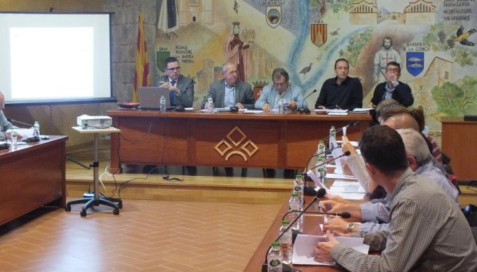 Reunió dels alcaldes al Consell Comarcal de la Conca de Barberà.