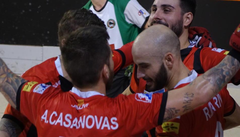 Els jugadors, celebrant un gol davant de l'Alcobendas.