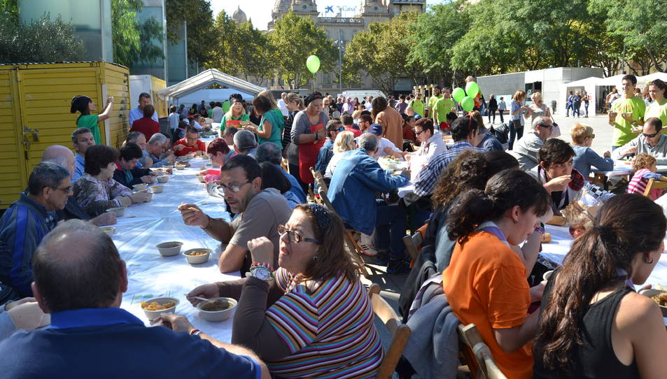 Prop de 600 persones han participat al dinar.