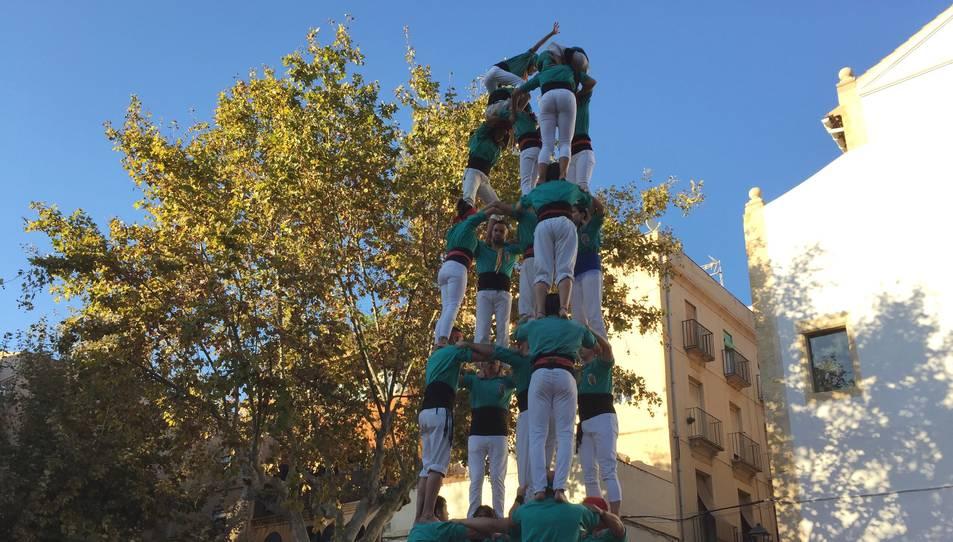 5de7 dels Castellers de Sant Pere i Sant Pau a la plaça del Rei.