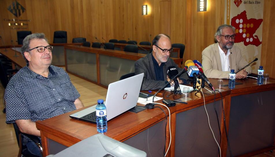 El director tècnic del COPATE, Josep Aragonès, el vicepresident del COPATE, Alfons Montserrat, i el director del Campus Terres de l'Ebre de la URV, Azael Fabregat, en la presentació del PECT. Imatge del 17 d'octubre de 2016 (horitzontal)