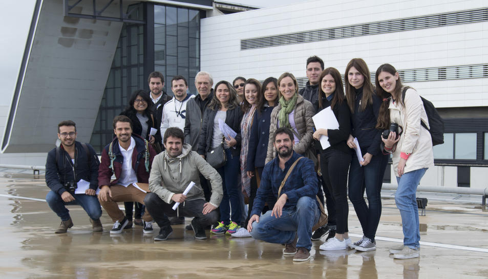 Foto de grup dels alumnes del postgrau d'arquitectura hospitalària en la seva visita al Sant Joan de Reus.
