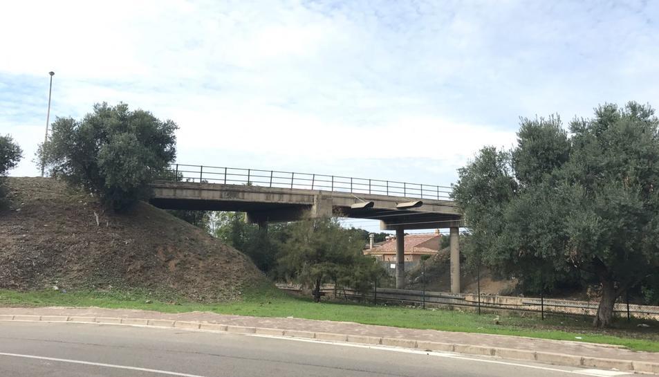 El pont que centralitza les queixes.