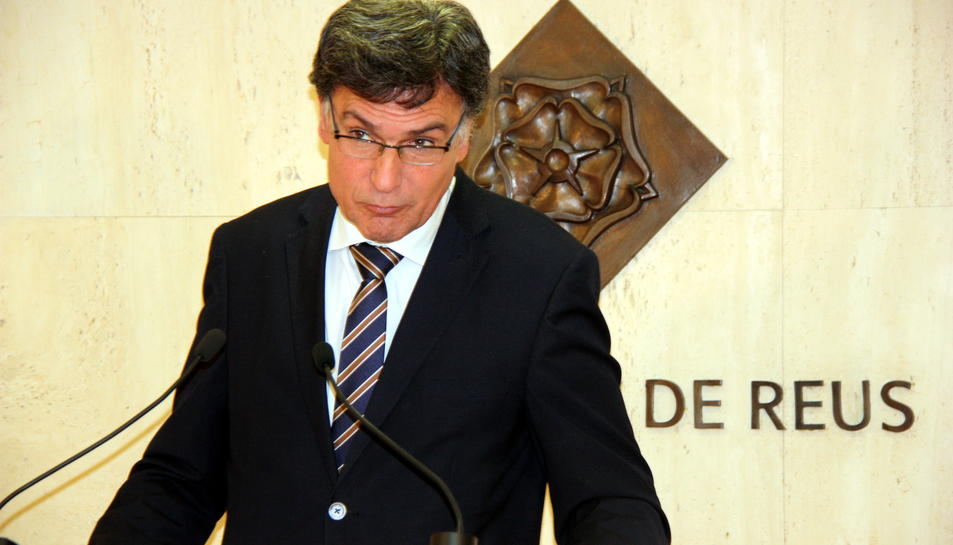 Pla mig del regidor d'Hisenda i Recursos Generals de l'Ajuntament de Reus, Joaquim Enrech, en roda de premsa sobre les ordenances, el 19 d'octubre del 2016