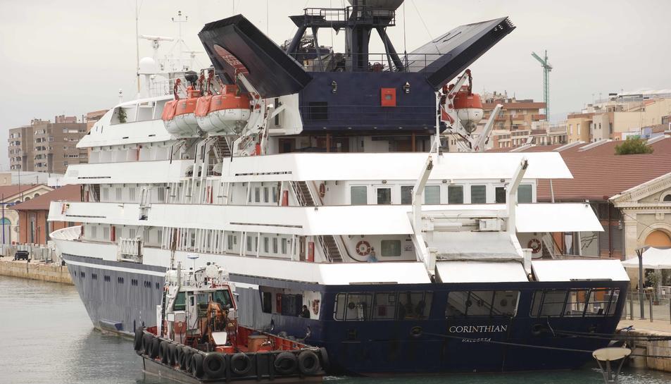 El creuer Corinthian, que va visitar Tarragona l'octubre del 2015.