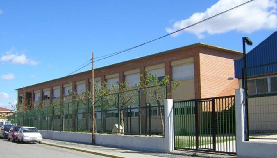 Imatge de la façana de l'Institut de Flix.