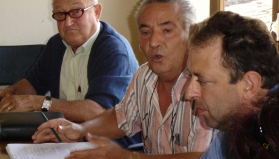 L'alcalde Miguel Uroz i l'exalcalde Albert Carreño, a l'esquerra de la imatge, ambdós imputats.