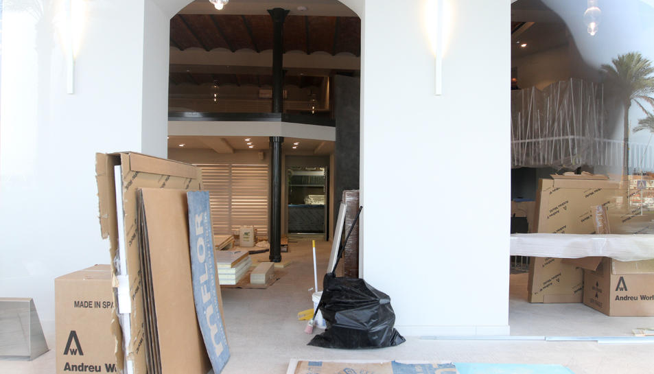 Imatge de l'estat actual de les obres interiors del nou restaurant situat al Serrallo.