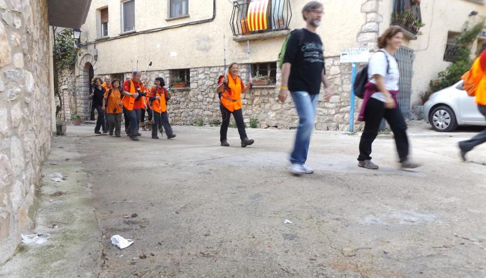 Els participants van recórrer el recuperat Camí de les Socarrades.