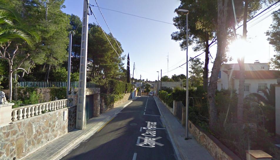 Els fets van passar al carrer Cau Ferrat de Segur de Calafell a l'abril del 2015.