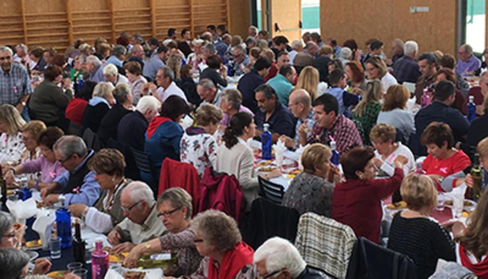 Un total de 200 persones en el dinar solidari d'Albinyana per lluitar contra el càncer