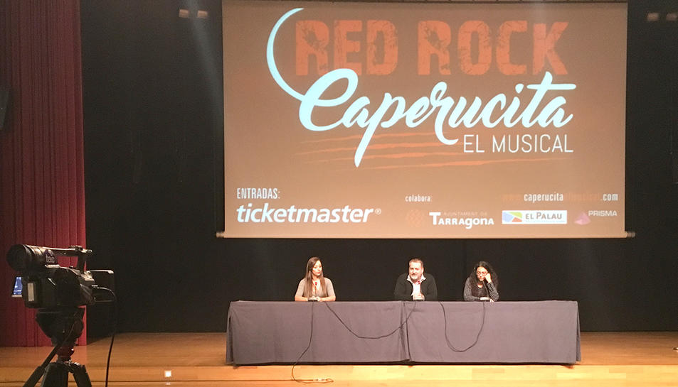 Sandra Gracia (coreògrafa), Cèsar Constantí (autor i compositor de Red Rock Caperucita), Sònia Vargas (productora executiva de Prisma Shows).