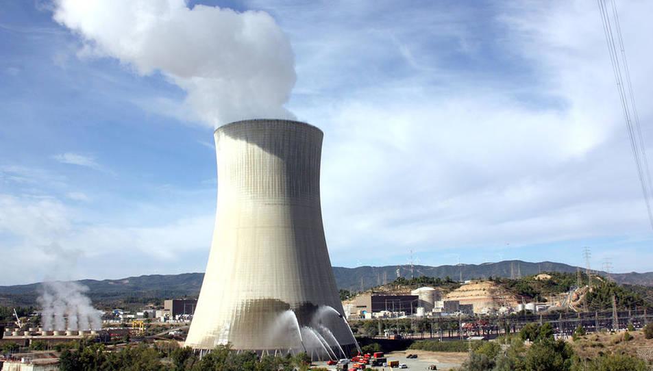 Imatge d'arxiu de la central nuclear d'Ascó durant unes maniobres dels serveis d'emergència.