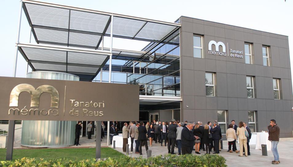 Imatge de l'exterior del tanatori, aquest dijous durant la inauguració.