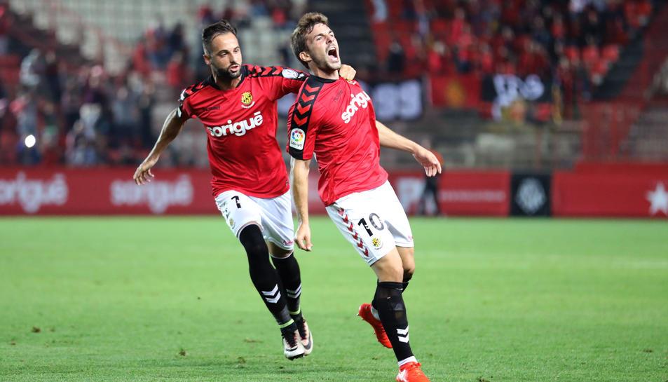 Muñiz, celebrant el gol.