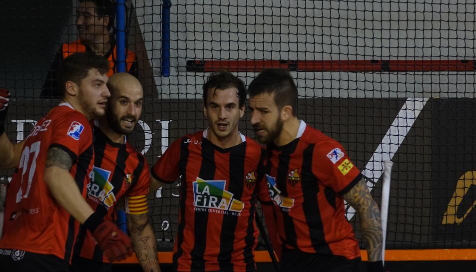 Els jugadors del Reus Deportiu-La Fira, celebrant un gol anotat aquest dimarts.
