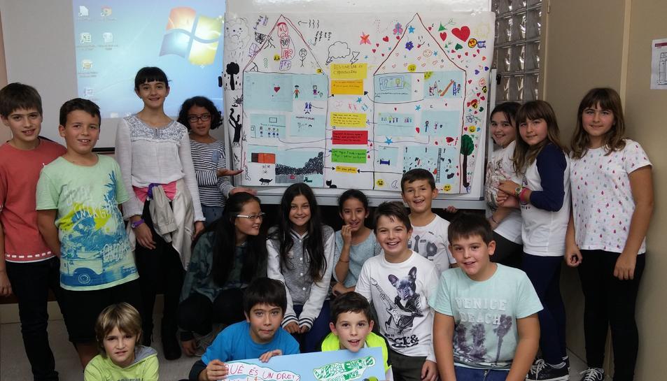 Els nens i nenes integrants del Consell Municipal d'Infants que han treballat en les conclusions que presentaran a Santander.