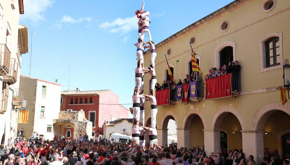 3de8 de Xiquets de Tarragona a la plaça del Pou d'Altafulla.