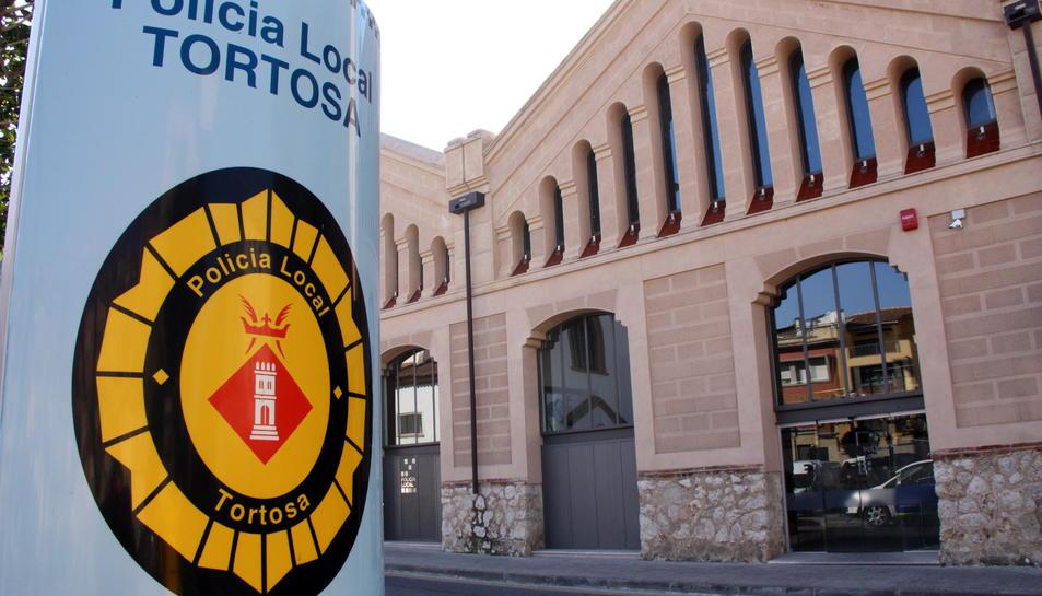 Imatge d'arxiu de la comissaria de la Policia Local de Tortosa