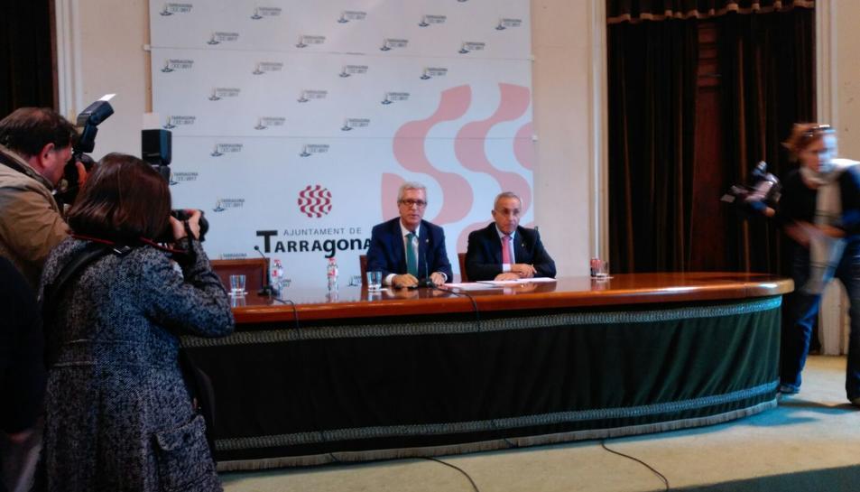 La compareixença oficial de l'alcalde de Tarragona i el president del COE.
