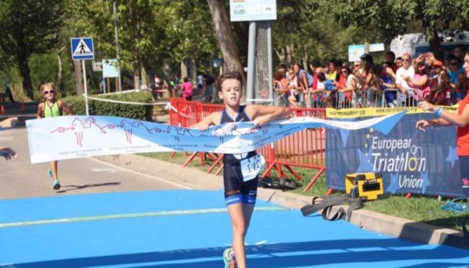 El campió infantil de Catalunya de Triatló, Cesc Llauradó.