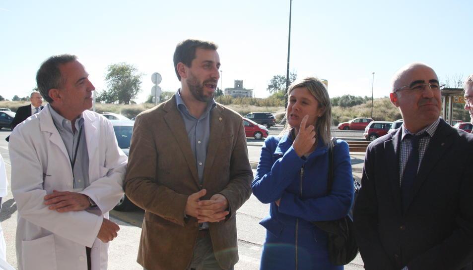 L'arribada a l'Hospital Sant Joan de Reus del conseller de Salut, Antoni Comín.