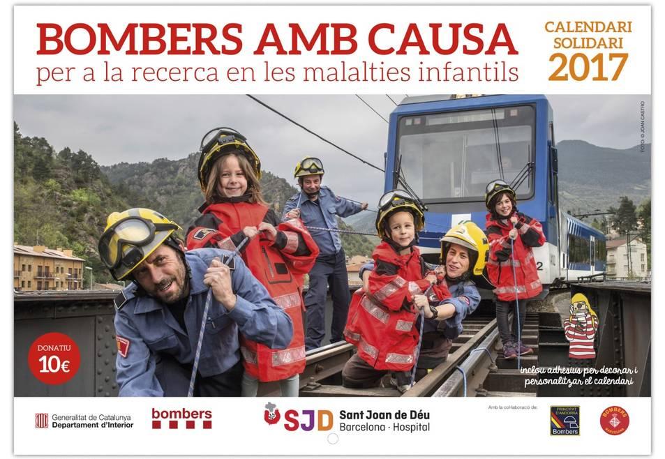 Imatge de la coberta del calendari solidari dels Bombers