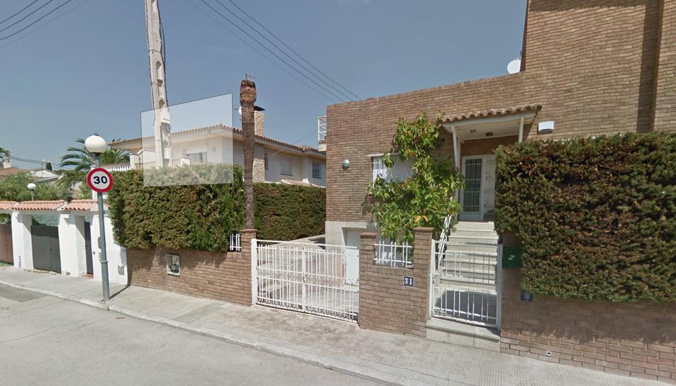 Els veïns han detectat també un habitatge ocupat al carrer de Guatemala.